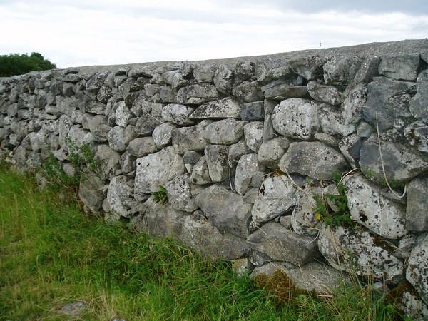 Стена из камней своими руками