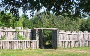 Ограда из дерева
